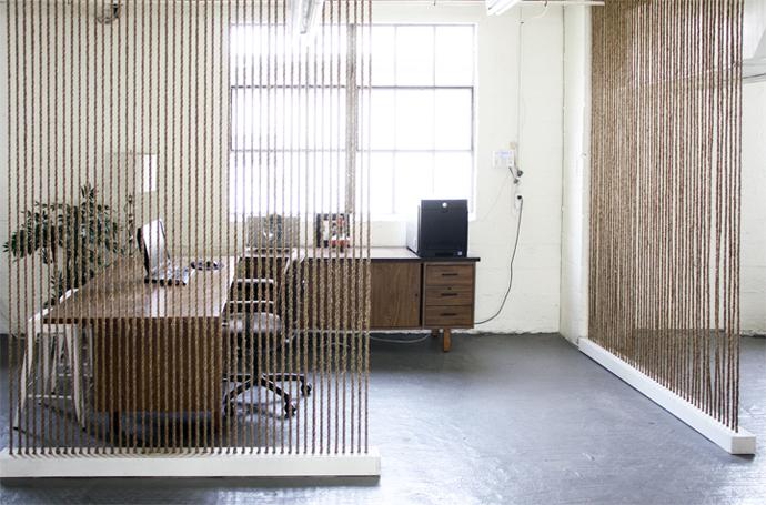 rope decor room divider - Using Nautical Rope in Interior Design